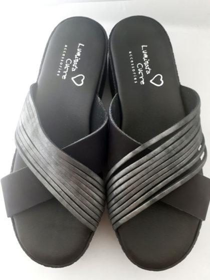 Δερμάτινες πλατφόρμες μαύρο χρώμα με ασημί δερμάτινες λωρίδες